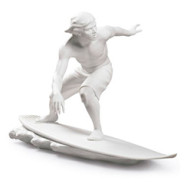New issue of Lladro porcelain to decorate in summer; surf figurine